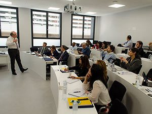 Clase de CEU IAM Business School